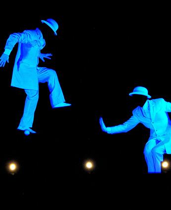 Les Chapeaux Blancs - Théâtre Lumière Noire ©L.Dardelet